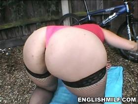 Big ass British milf in stockings uk pawg